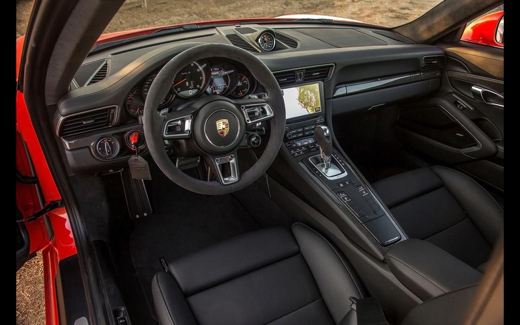 2017 Porsche 911 Turbo and 911 Turbo S 2017-p54