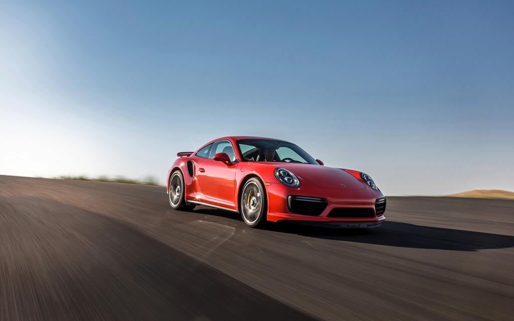 2017 Porsche 911 Turbo and 911 Turbo S 2017-p57