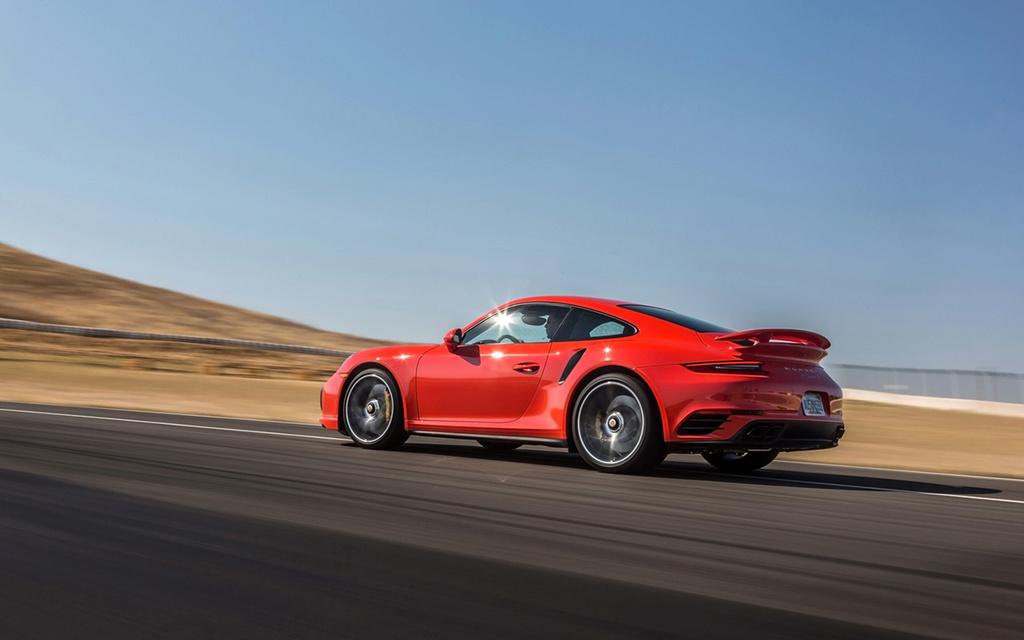 2017 Porsche 911 Turbo and 911 Turbo S 2017-p62