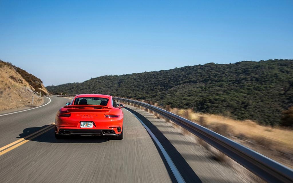 2017 Porsche 911 Turbo and 911 Turbo S 2017-p63