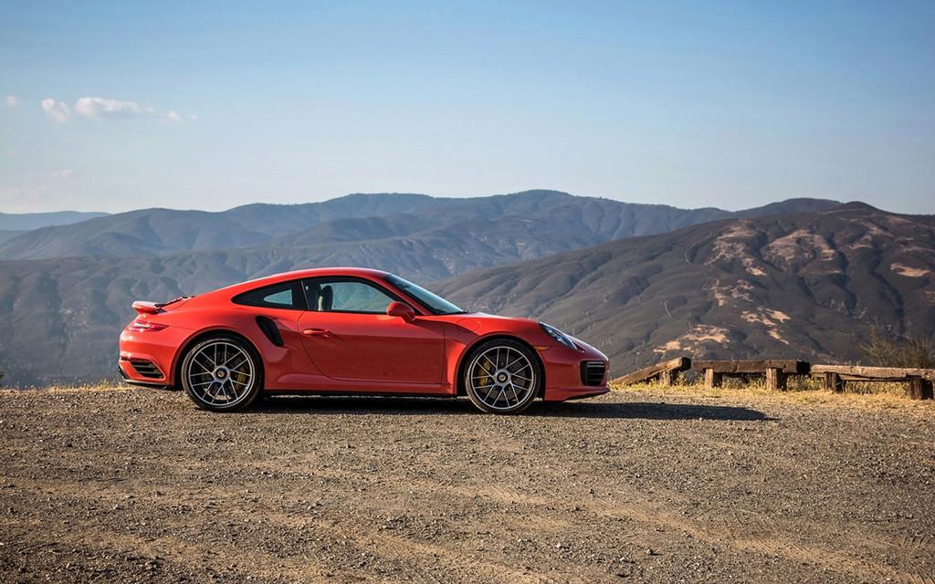 2017 Porsche 911 Turbo and 911 Turbo S 2017-p67