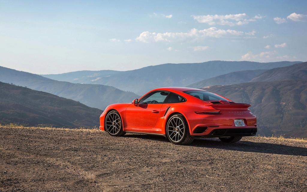 2017 Porsche 911 Turbo and 911 Turbo S 2017-p68