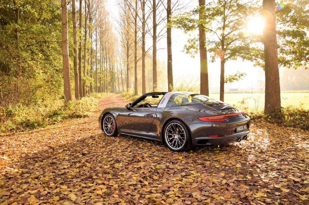 Porsche en automne - Page 8 Cwhxqy10