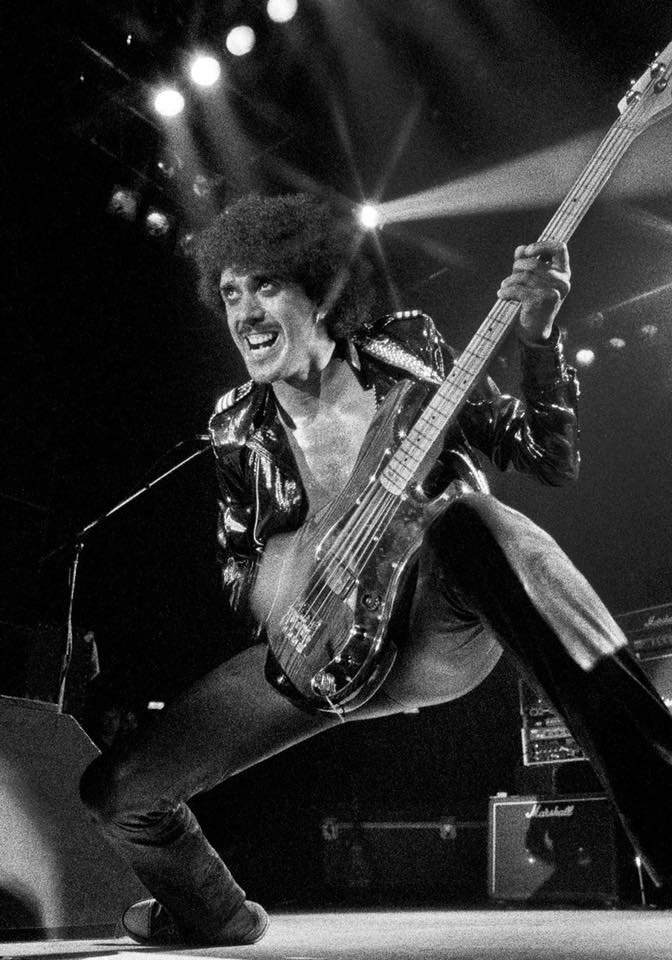 THIN LIZZY - Page 7 Phil_l10