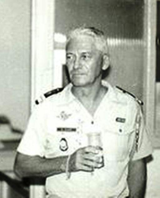 Décès du général gillet, ancien chef de corps de la 13 Pot_co11