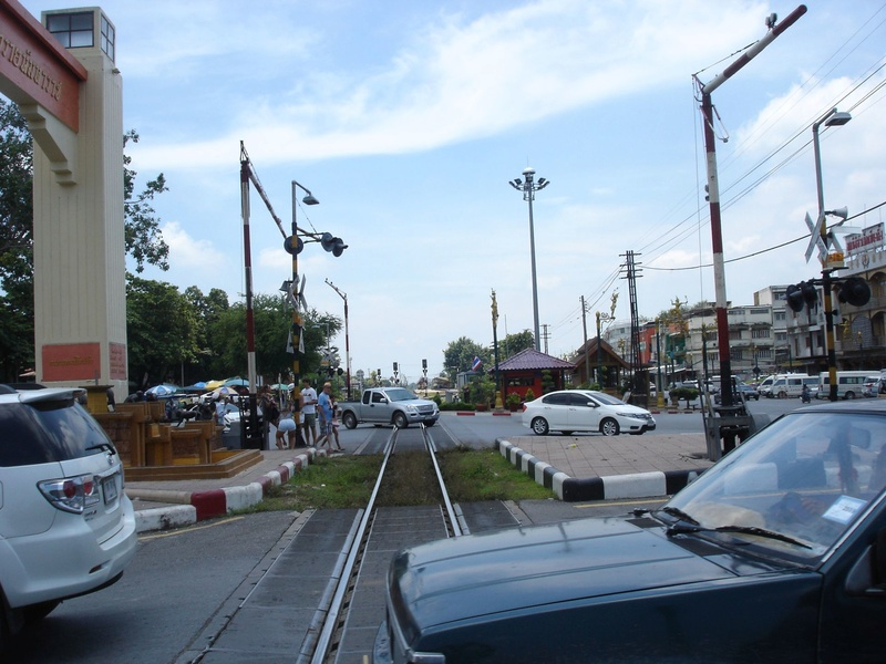 Le train en Thaïlande  Thayll10