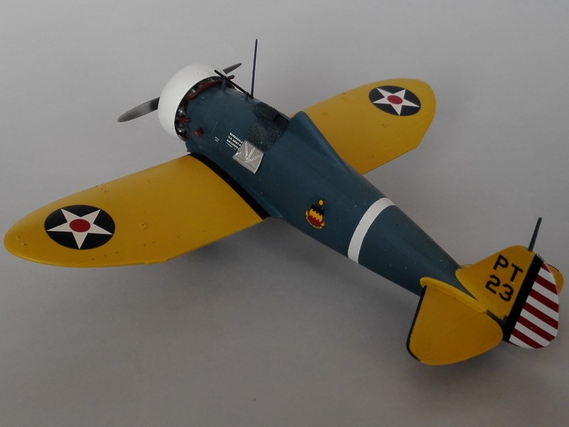 P-26 Peashooter Academy (et Starfighter decals) Mon2210