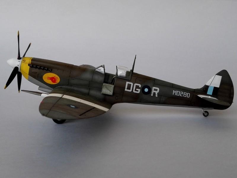 Spitfire Mk VIII Eduard au 1/48 - Page 2 Mon5210
