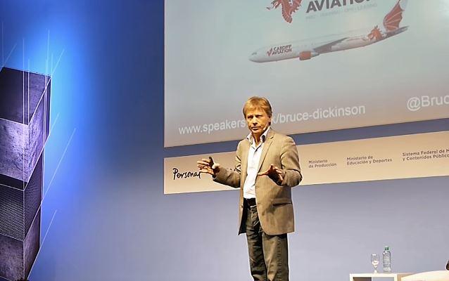 Bruce Dickinson conférencier à Buenos Aires en Argentine, le 26 octobre 2016. Bruced10