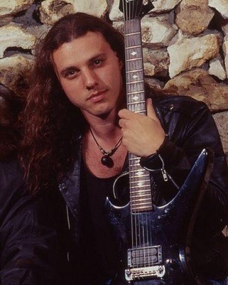 Il y a 15 ans Chuck Schuldiner partait ailleurs ... (Chronique d'un destin trop court) Chuck-10