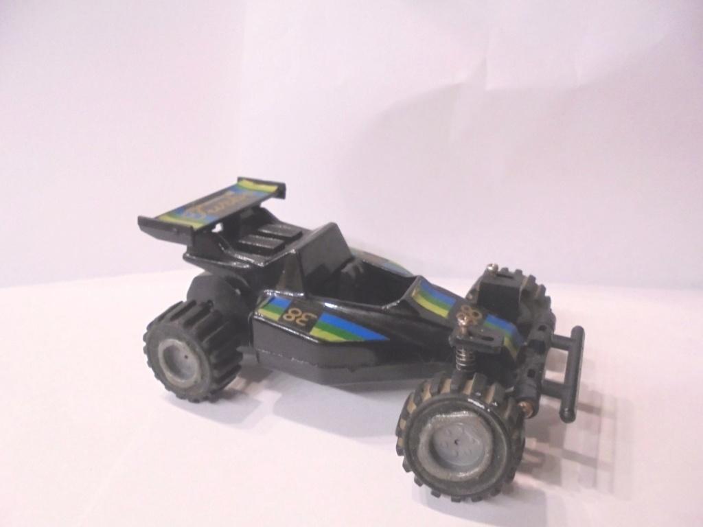 voiture à suspensions 1985 Dsc06813