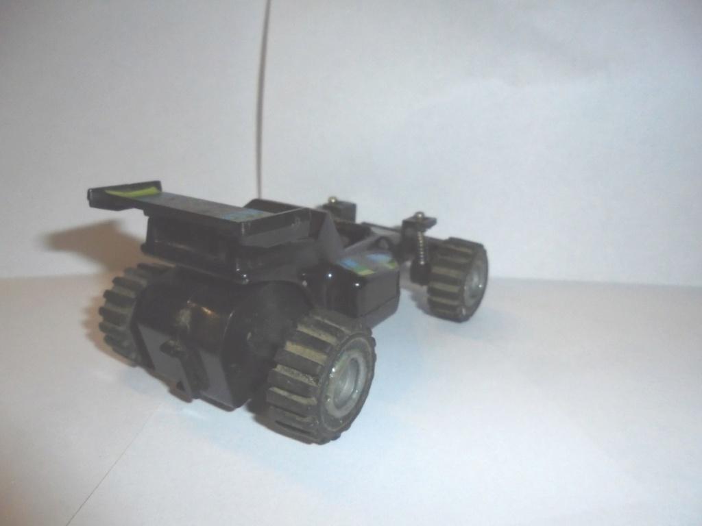 voiture à suspensions 1985 Dsc06814