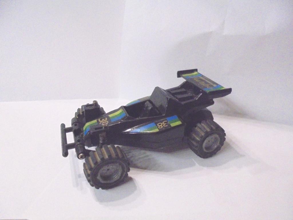 voiture à suspensions 1985 Dsc06815