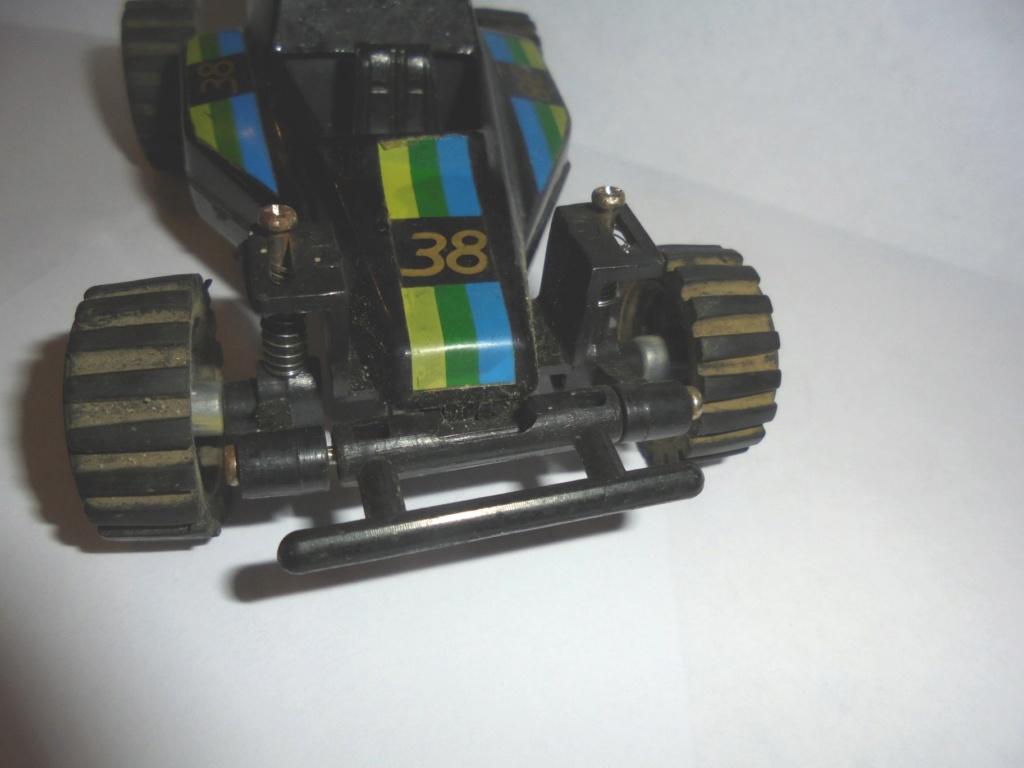 voiture à suspensions 1985 Dsc06817