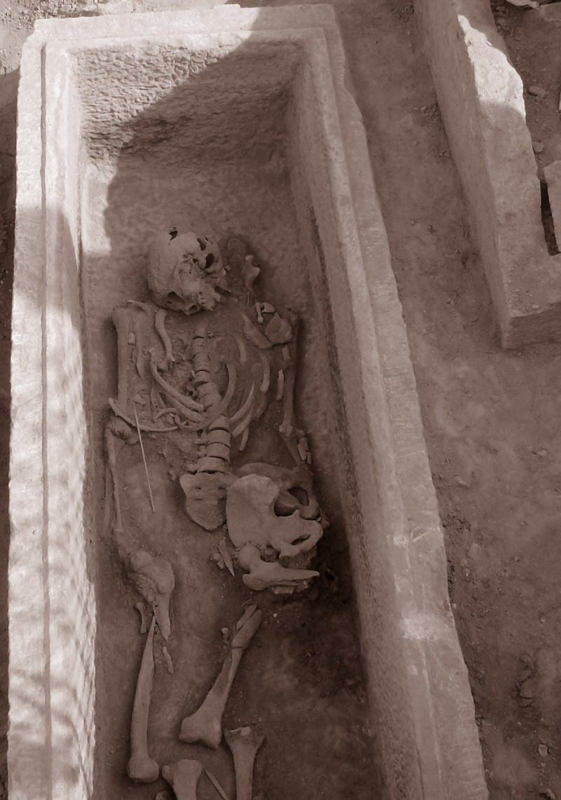 Τάφος του 4ου πΧ αιώνα στη Νέα Σμύρνη! - Σελίδα 2 49915110