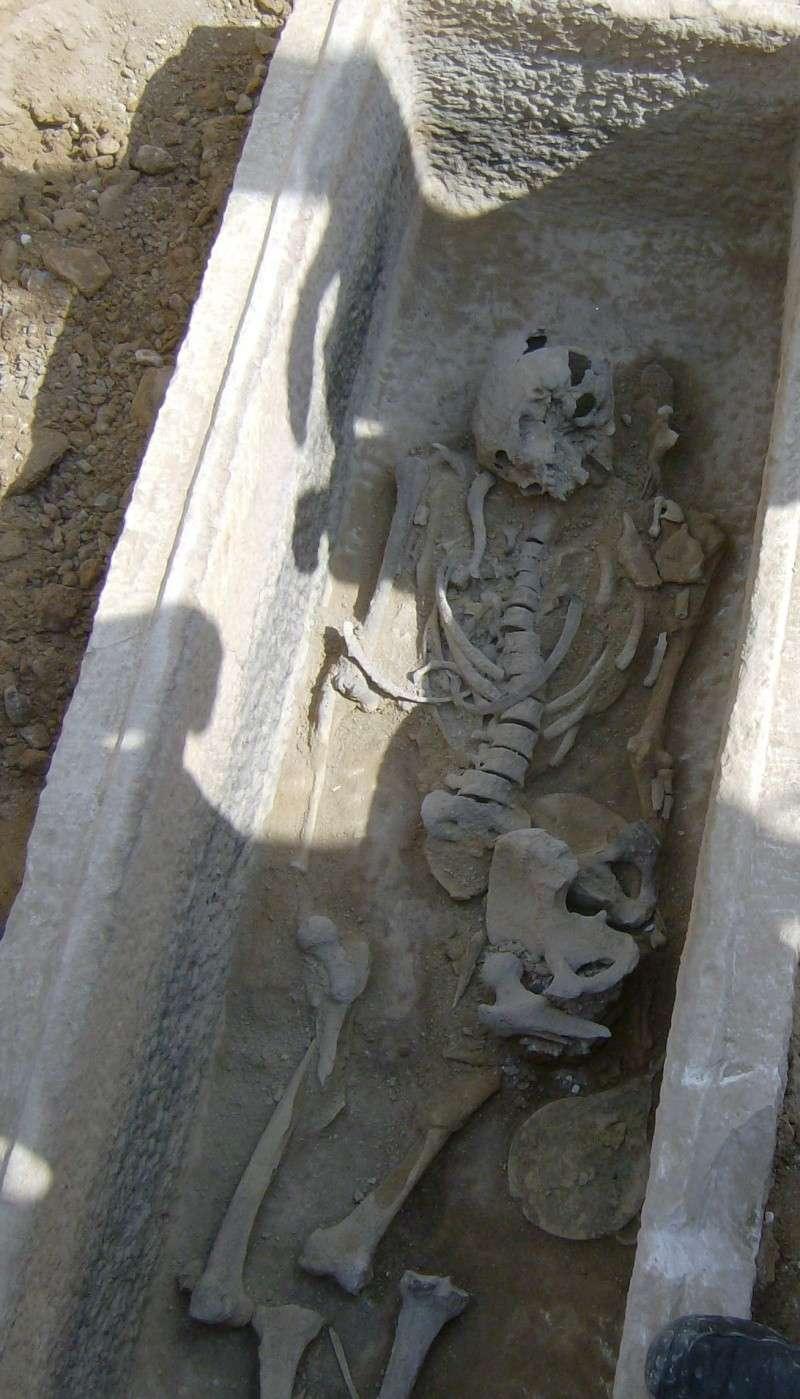 Τάφος του 4ου πΧ αιώνα στη Νέα Σμύρνη! Hpim4911