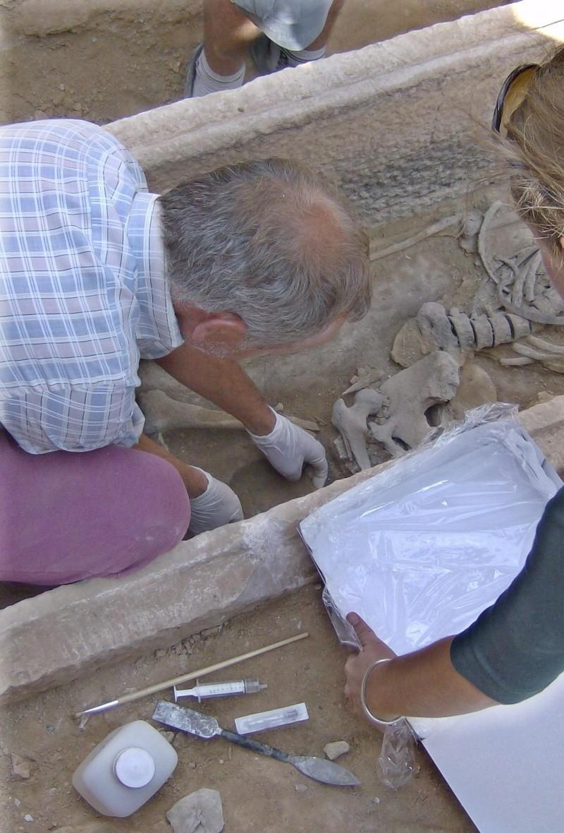 Τάφος του 4ου πΧ αιώνα στη Νέα Σμύρνη! Hpim4913