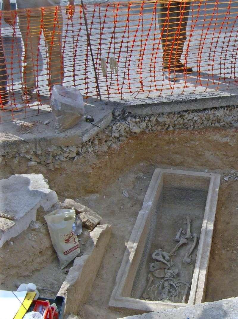 Τάφος του 4ου πΧ αιώνα στη Νέα Σμύρνη! Hpim4914