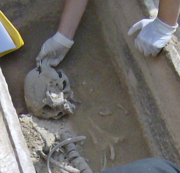 Τάφος του 4ου πΧ αιώνα στη Νέα Σμύρνη! Hpim4915