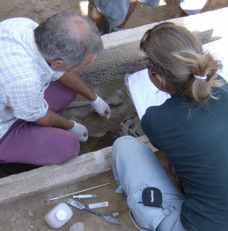 Τάφος του 4ου πΧ αιώνα στη Νέα Σμύρνη! Hpim4920