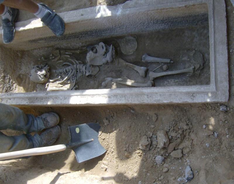 Τάφος του 4ου πΧ αιώνα στη Νέα Σμύρνη! Hpim4923