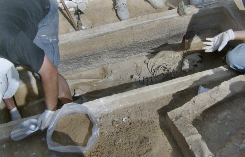 Τάφος του 4ου πΧ αιώνα στη Νέα Σμύρνη! Hpim4925
