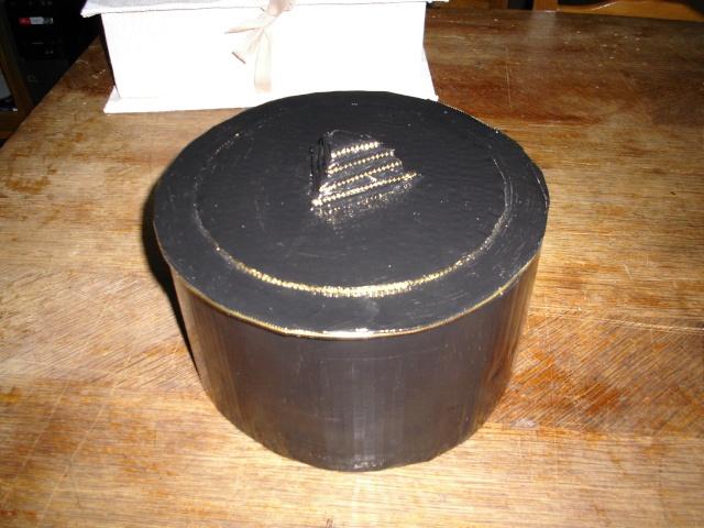 boites faites en carton ondulé (peintes ou serviettées) Dcfc0012