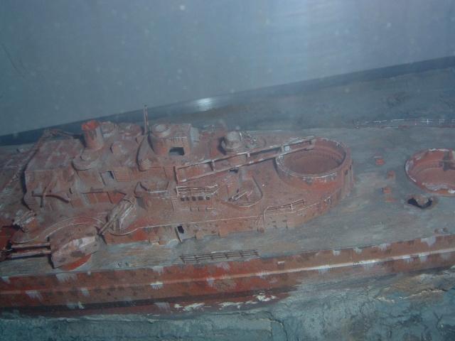 Le Bismarck et son epave au 1/350 (réalisation Alain moitrot) Bism0110