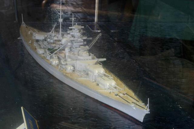 Le Bismarck et son epave au 1/350 (réalisation Alain moitrot) Paul_510