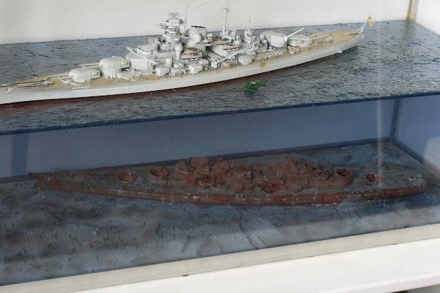Le Bismarck et son epave au 1/350 (réalisation Alain moitrot) Paul_513