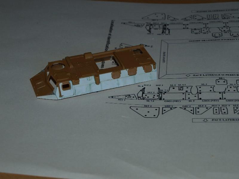 VAB T20-13 [HELLER+AZIMUT] 1/72. Fin, le 22/11/2010. - Page 7 P1016617
