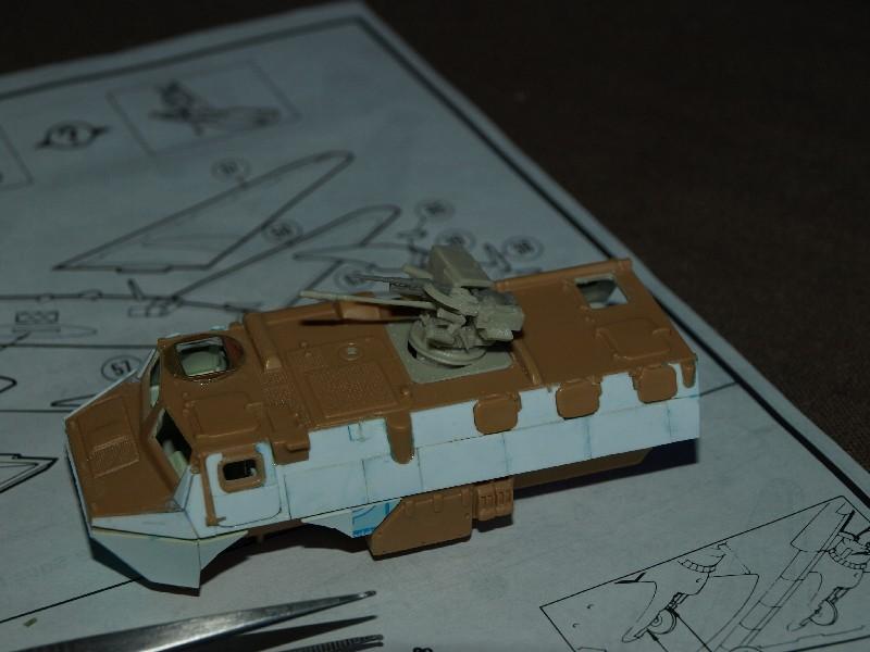 VAB T20-13 [HELLER+AZIMUT] 1/72. Fin, le 22/11/2010. - Page 4 P1016713
