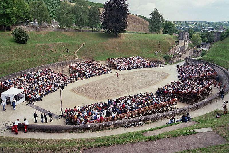 """Amphithéâtres romains : """"Panem et circenses"""" - Page 2 1024px12"""