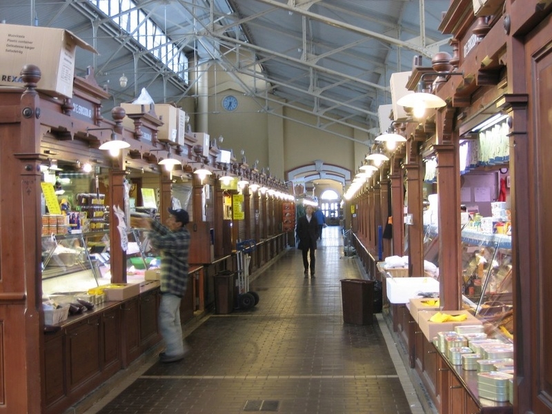 STREET VIEW : halles et marchés couverts - Page 3 13194710