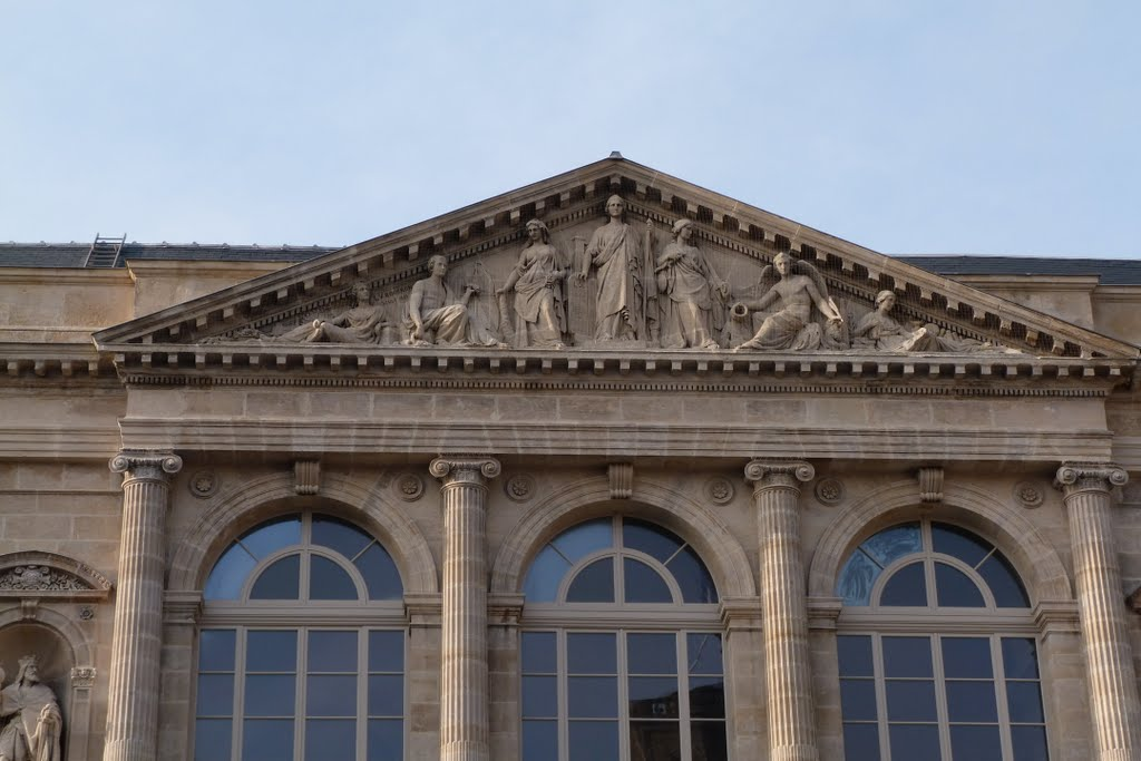 ARCHITECTURE : les frontons racontent une histoire - Page 2 62214010