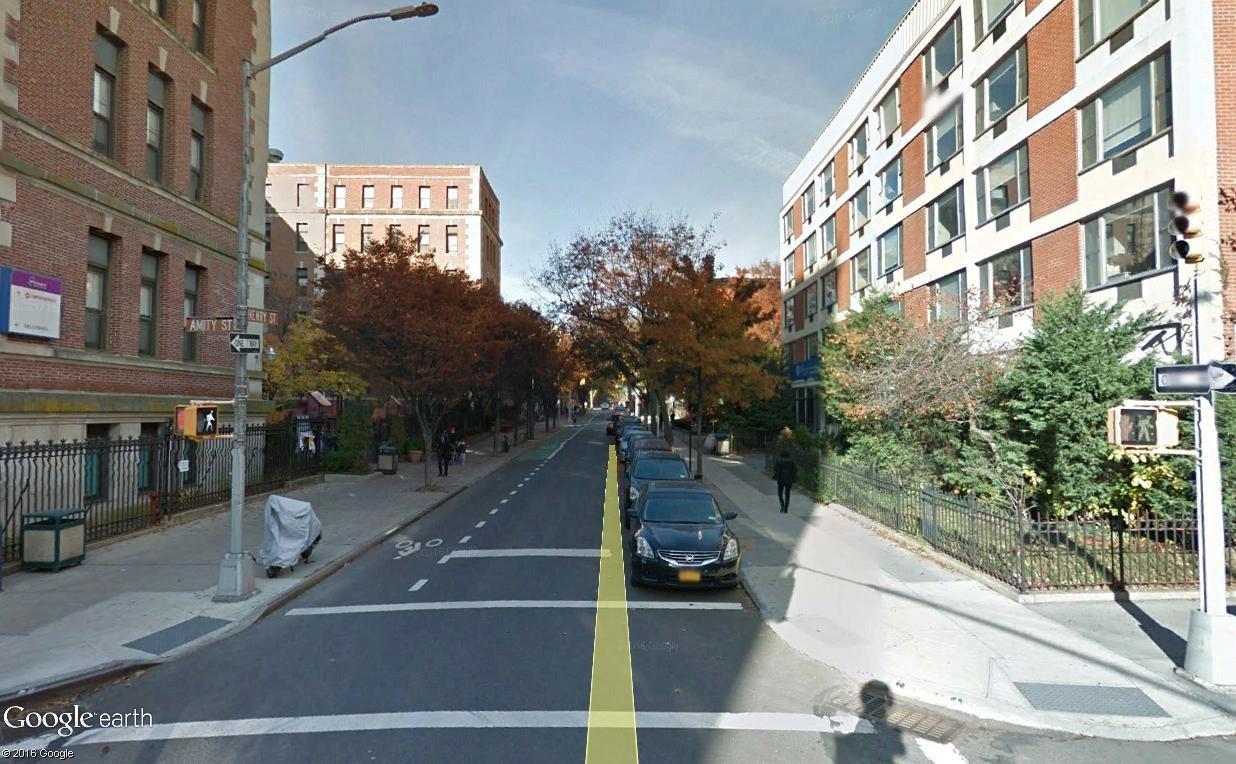 STREET VIEW : 2 sens de circulation = 2 saisons différentes vues de la Google Car ! [A la chasse !] - Page 4 Amit_s10