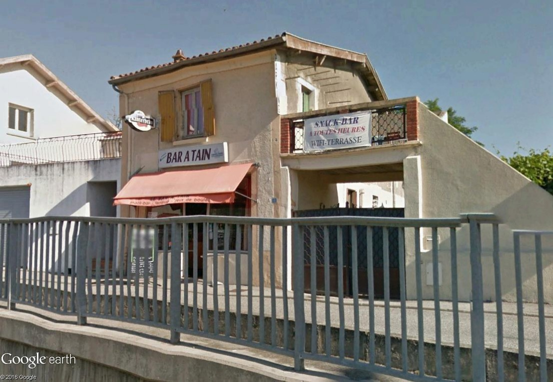 STREET VIEW : bistrots et  bars - Page 6 Bar_yo10