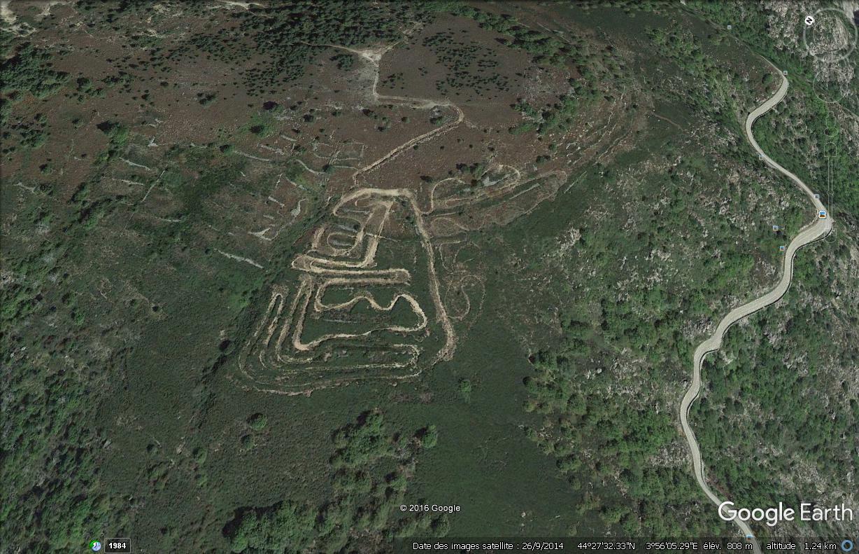 Archéologie dans les Cévennes : dessins vus du ciel ? Dessin11