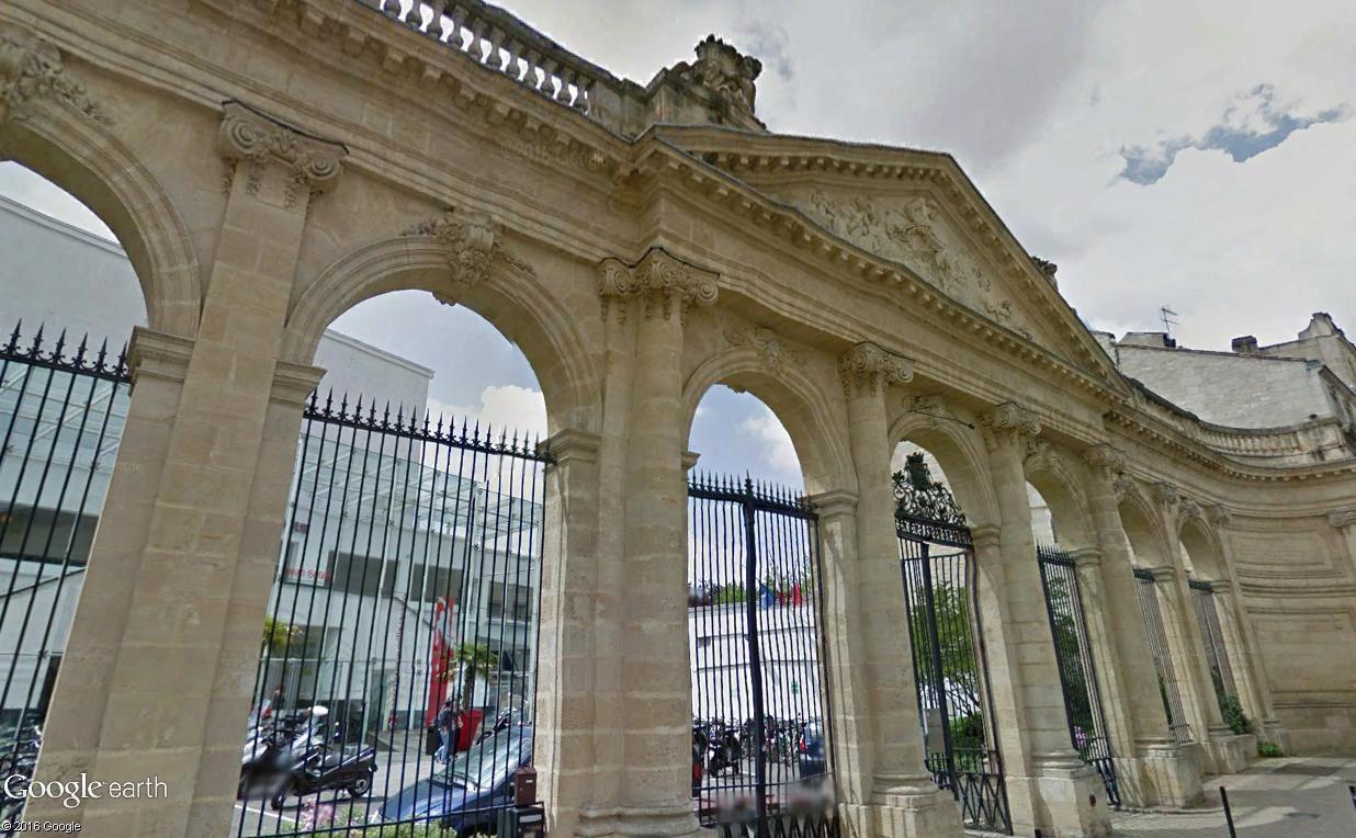 Architecture les frontons racontent une histoire page 2 for Piscine jean boiteux