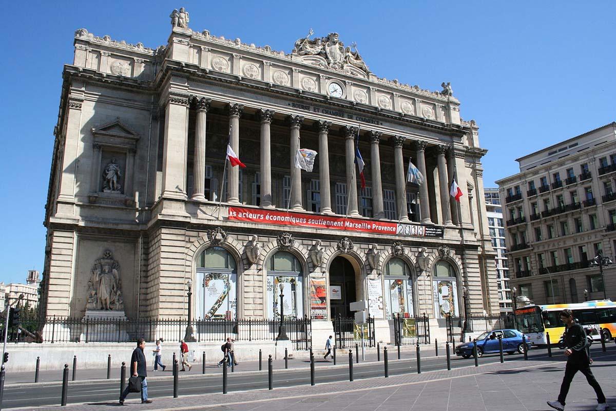 ARCHITECTURE : les frontons racontent une histoire - Page 2 Palais19