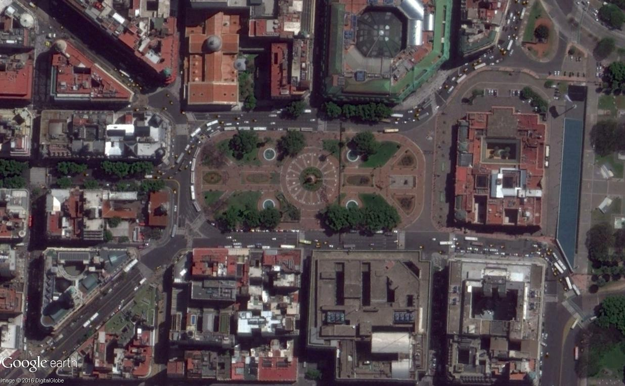 """STREET VIEW: les manifestations dans le Monde vues de la caméra des """"Google Cars"""" - Page 3 Plazad12"""