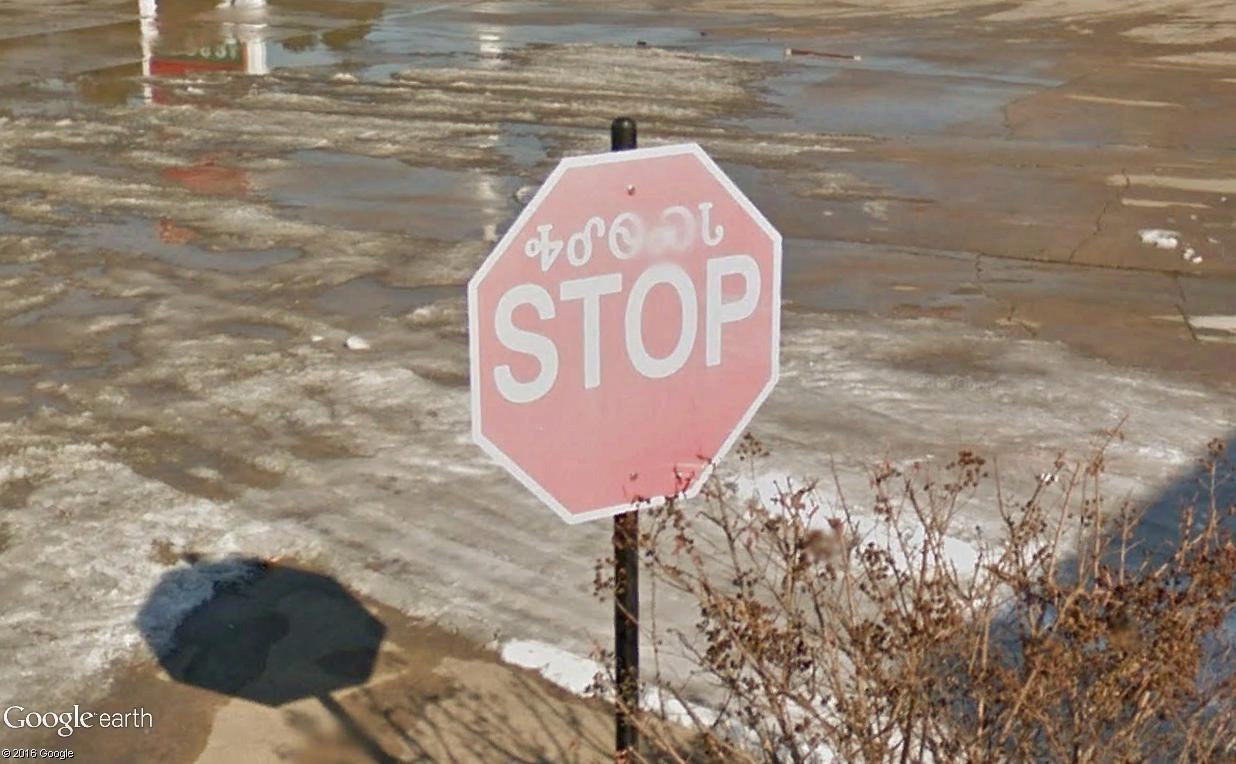 STREET VIEW : les panneaux routiers - Page 4 Stop2210
