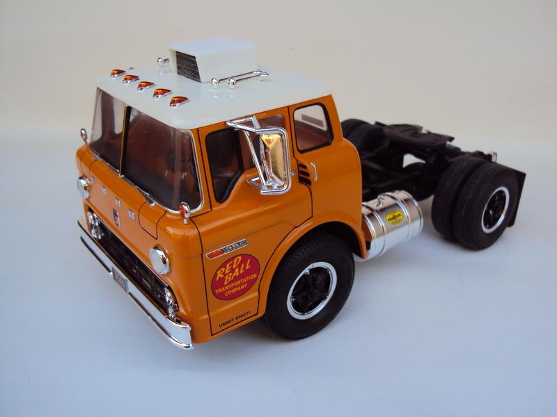 Ford C-900 tracteur Amt Dsc01910