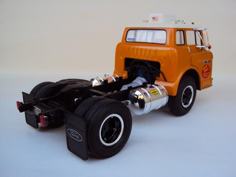 Ford C-900 tracteur Amt Dsc01911