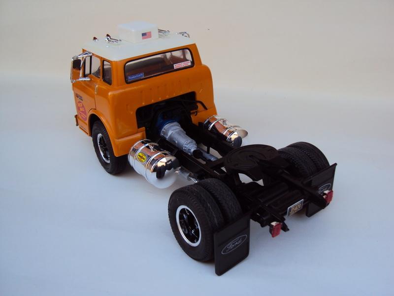 Ford C-900 tracteur Amt Dsc01912