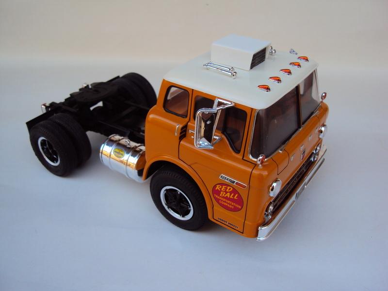 Ford C-900 tracteur Amt Dsc01913