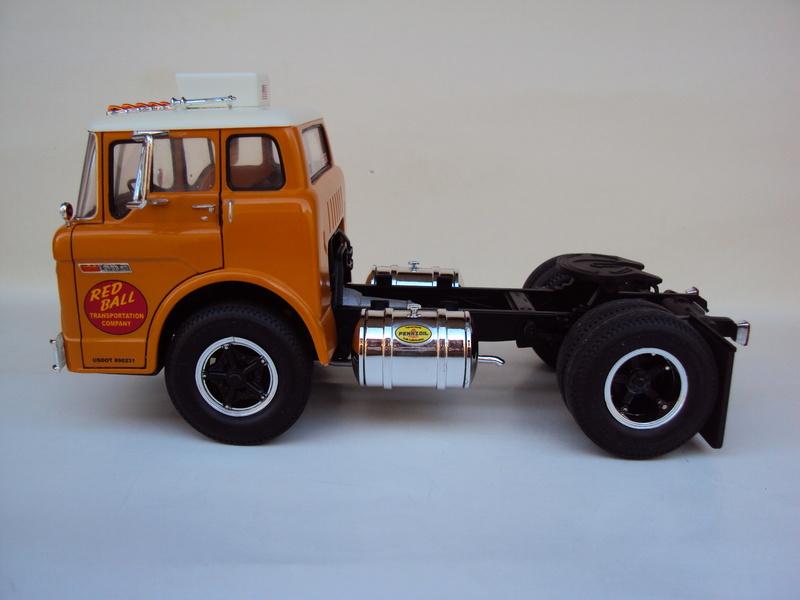Ford C-900 tracteur Amt Dsc01914