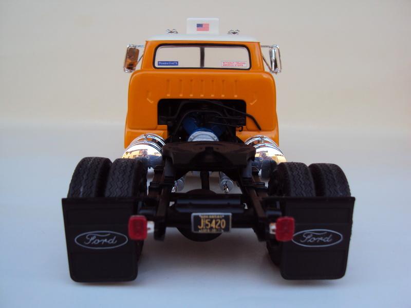 Ford C-900 tracteur Amt Dsc01917