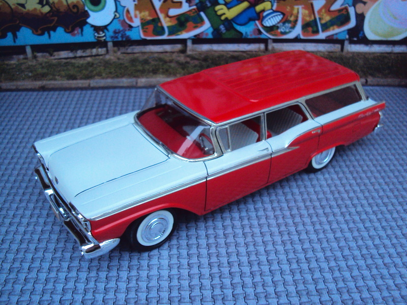 1959 Ford Galaxie wagon Dsc02013