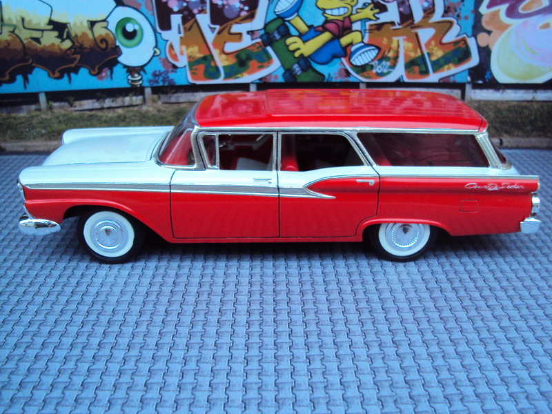 1959 Ford Galaxie wagon Dsc02015
